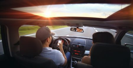 Practice-These Tips To Stop Your Distracted Driving